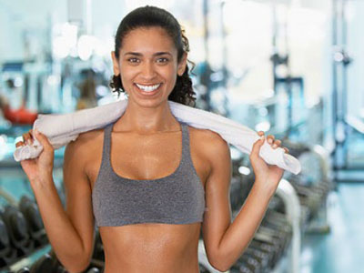 Women at gym featured
