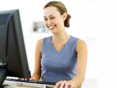 women working on computer