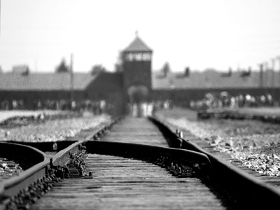 holocaust memorial day featured