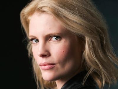 Nathalie Cox featured