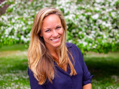 Eline Van der Velden featured