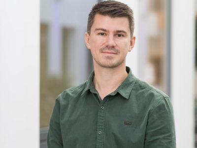 Tom Senchukov CV Expert