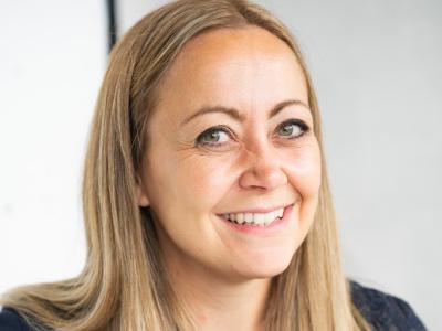 Sarah Banks featured