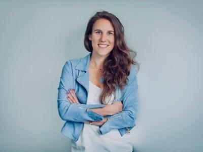 Laura Warnier featured